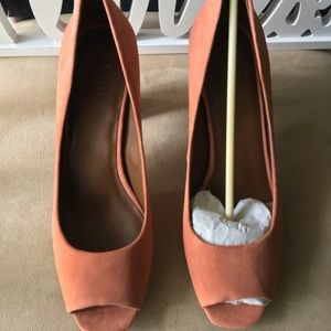 🆕 AUTHENTIC TORY BURCH GEORGIANA SUEDE PUMPS